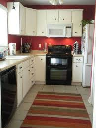 what color to paint a small kitchen with white cabinets small kitchen paint colors with white cabinets layjao