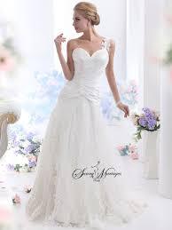 robe de mariã e avec dentelle robe de mariee dentelle et bustier coeur jupe en tulle forme