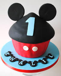 mickey mouse cupcakes miss cupcakes archive mickey mouse cupcake cake