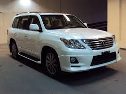 latest lexus suv 2015 2011 lexus lx 570 information and photos zombiedrive