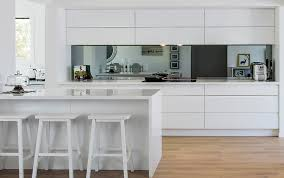 Ideas For Kitchen Splashbacks Kitchen Gloss White Handleless Cabinets And Drawers Tinted
