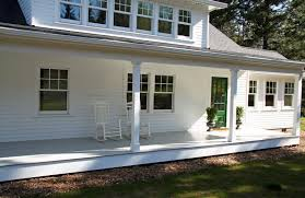 Small Country Houses Love The Front Porch The Door The White No Shutters The Dormer