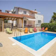 house with pool near split to rent for family holiday in croatia