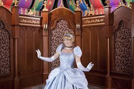 crockett fantasy of lights princess fantasy faire at disneyland what to know
