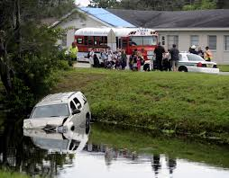 watercar gator five car crash sends two cars into st pete canal tbo com