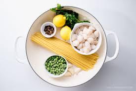 one pot lemon scallop pea spaghetti and a le creuset giveaway i