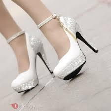chaussures blanches mariage chaussures de mariage une verge jolies à talon plate