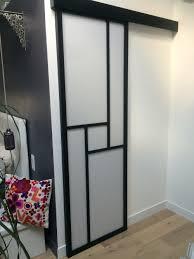 porte chambre porte coulissante en applique dans une chambre parentale