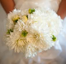 common wedding flowers wedding flowers adding green to all white bouquets inside weddings
