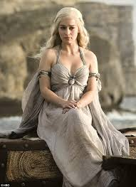 who is the blonde in the game of heroes commercial game of thrones emilia clarke is a vixen in a edgy vs magazine