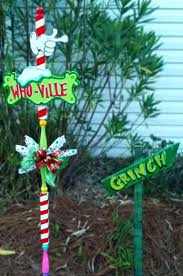 Outdoor Christmas Yard Decorations by 359 Best Christmas Outdoor Decorations Images On Pinterest