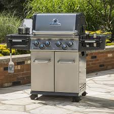 broil king regal s490 pro 4 burner freestanding propane gas grill