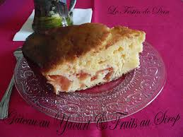 recette de cuisine gateau au yaourt le festin de dan gâteau au yaourt et fruits au sirop