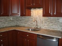 kitchen mirror glass irregular pattern mosaic backsplash idea