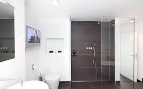 bad grau weiß überzeugend auf moderne deko ideen auch badezimmer 1 - Badezimmer Weiß Grau