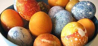 how to make gorgeous patterned easter eggs using your own natural