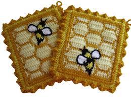 honeycomb pot holders with honey bees crochet bumblebee