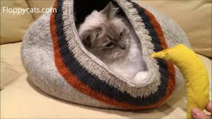 knitting pattern cat cave cat cave large meowfia felted wool cat cave with cable knitting