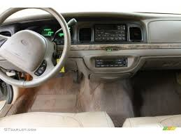 2000 Ford Crown Victoria Information And Photos Zombiedrive