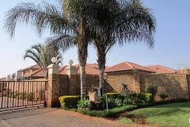 3 Bedroom 2 Bathroom Townhouse by 3 Bedroom 2 Bathroom Townhouse With Swimming Pool In Secure