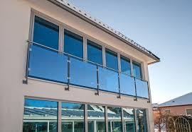 edelstahl balkon mit glas französischer balkon glas hesse metallbau dresden