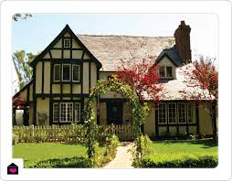 architecture the characteristics of a tudor house style