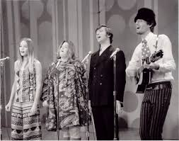 Michelle Phillips A Chat With Michelle Phillips Of The Mamas And The Papas