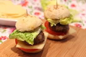 cuisiner un hamburger mini hamburgers maison pour ceux qui aiment cuisiner