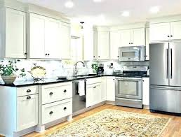 kitchen cabinets with crown molding crown molding on kitchen cabinets mydts520 com