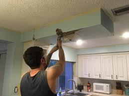 küche renovieren beim küche renovieren fiel ein mysteriöser beutel aus der decke