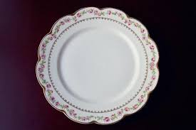mismatched plates wedding spotlight unique settings mismatched china rentals the pink