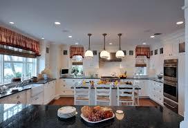cuisine couleur bois cuisine cuisine blanche et plan de travail bois avec or couleur
