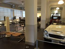 leopard 6 litre roadster 80shero nissan engine museum yokohama japan