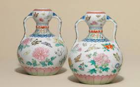 Porcelain Vases Uk I Think You Need To Sit Down U0027 Woman Learns Chinese Vases Valued