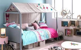 cabane fille chambre chambre fille lit cabane chambre idaces de daccoration de maison