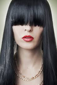 how to grow out layered women s hair into bob 13 hairstyles that make growing out your bangs less annoying