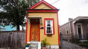 Shotgun House Design Tiny Shotgun Cottage In New Orleans Amazing Small House Design