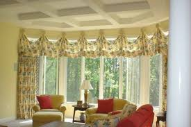 Livingroom Valances Living Room Beautiful Retro Living Room With Floral Valances On