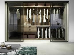 placard pour chambre idées d aménagement de placard pour une chambre bien organisée