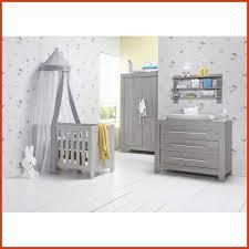 chambre bébé avec lit évolutif chambre bebe complete avec lit evolutif luxury chambre bebe plete