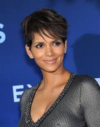 Frisuren 2017 Bob Dunkel by Halle Berry Frisuren Frisuren Magazin