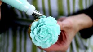 Easy Icing Flowers - easy cupcake frosting technique 5 youtube
