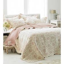 Toile De Jouy Decoration Paoletti Etoille Toile De Jouy Cotton Quilted Bedspread Off White