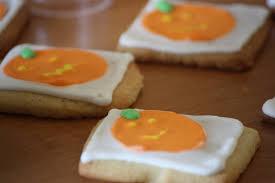decorating halloween cookies flooding with royal icing polish