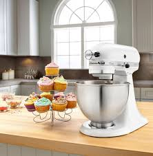 kitchenaid classic series 4 5 quart tilt head stand mixer white