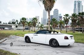 white rolls royce wallpaper a classy white rolls royce dawn gets adv 1 wheels black diamond