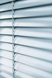 How To Clean Greasy Blinds How To Clean Your Grease And Grime Laddened Blinds Fill Bathtub