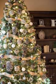 How To Decorate A Christmas Tree With Ribbon Garland How To Put Ribbon Garland On A Christmas Tree Ribbon Garland