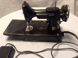 vintage singer featherweight sewing machine 221 thread the machine