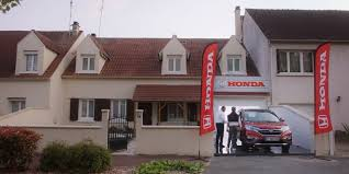 honda turned its drivers u0027 own garages into car dealerships in a